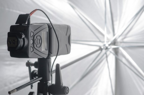 Figure 1. LumoPro LP180 on umbrella bracket.